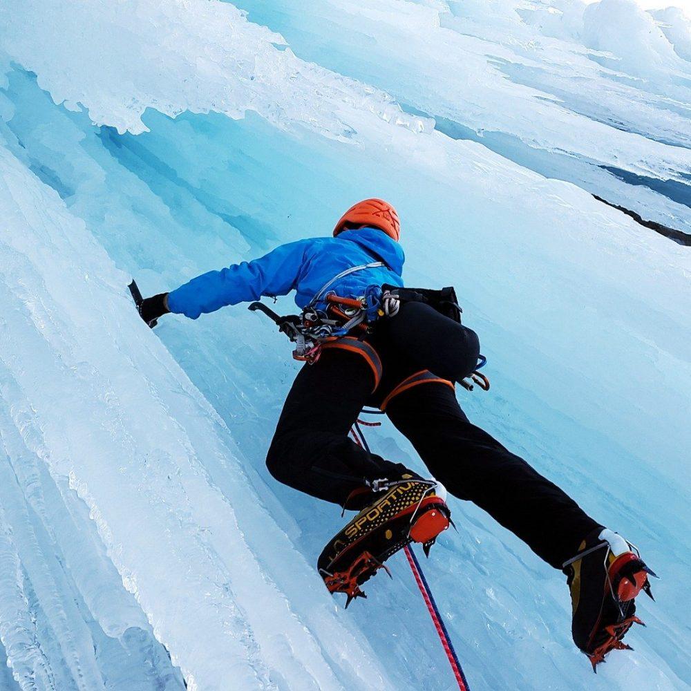 Escalade sur glace-chalets de l-ubaye